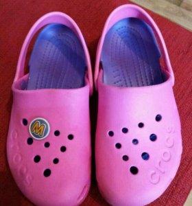 Crocs (с 13)девочкам.обувь.