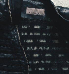 Кожаная куртка с гипюром