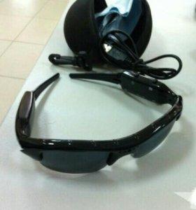 Продам солнцезащитные очки видеорегистратор.