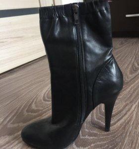 Полусапожки Zara