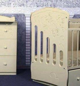 Новый набор мебели Бабочки. Комод и кровать