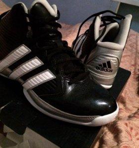 Баскетбольные кроссовки (Adidas)