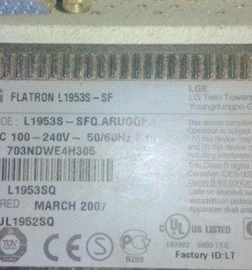 LG Flatron l1953s