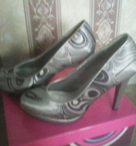 Туфли 37.5 размер
