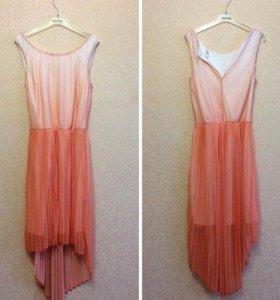 Платье фирмы Oasis