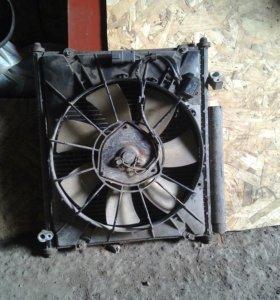 Радиатор кондеционера Хонда фит.