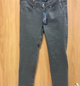 Брюки и джинсы итал. RINASCIMENTO размер L и M