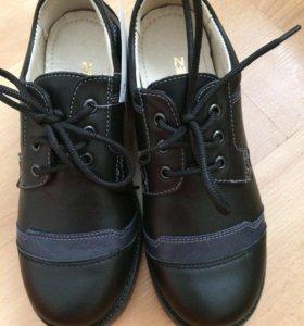 Новые ботинки р.33