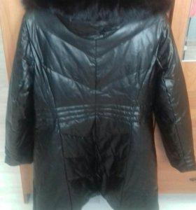 Женская зимняя кожаная куртка.