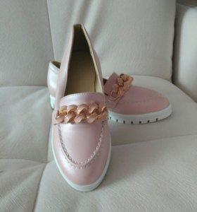 Туфли (лоферы) невероятно красивого нежно-розового