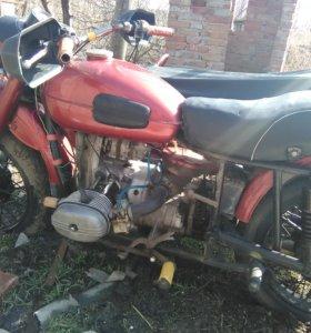 Продаётся мотоцикл Урал.