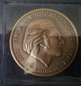 Медальон Джон Леннон