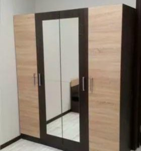 Шкаф Уют 1. 6 м  4х дверный с зеркалом.
