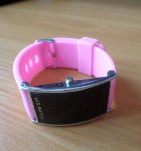 LED Часы розовые