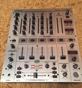 Диджейский пульт Berlinger djx700