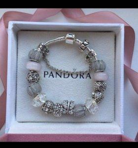 Pandora браслет с белыми шармами