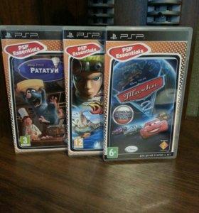 PSP игровая приставка плюс три игры  в подарок