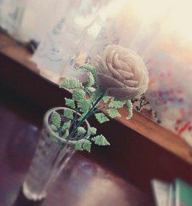 Роза из бисера.