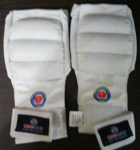 Перчатки для занятий каратэ