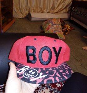 Кепка с надписью Boy