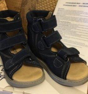 Ортопедические сандалики