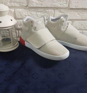 Замшевые Adidas кроссовки