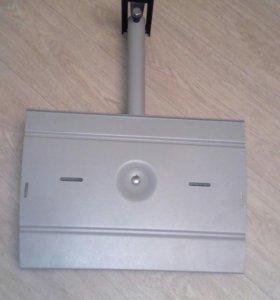 Кронштейн под аудио и видео аппаратуру