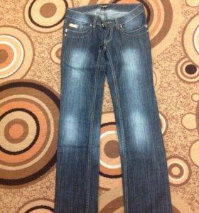 Новые джинсы из Италии