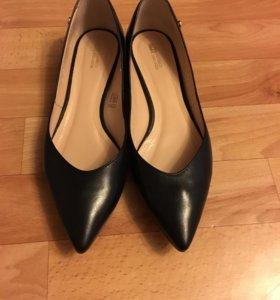 Новые туфли размер 39-40 натуральная кожа