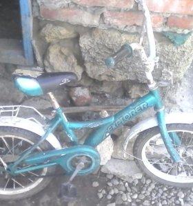 срочно продаю детский велосипед от 3 до 5 лет