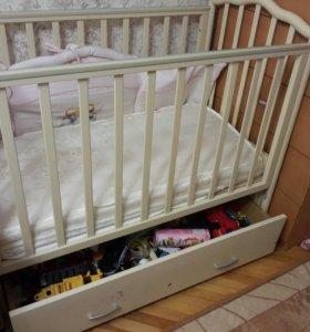 Детская кроватка.Маетник