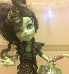 Кукла Monster High Фрэнки Штэйн