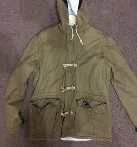 Продам осенне-весеннюю куртку Pull &Bear