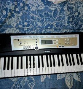 Синтезатор Yamaha PSR-R200 portatone