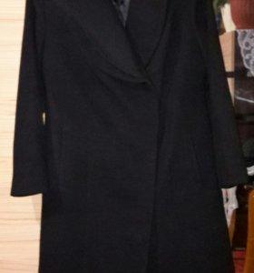 Пальто черное-52размер