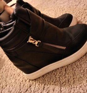 Женские ботинки межсизонные