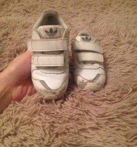 Кроссовки Адидас (Adidas)