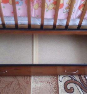 Кроватка-маятник поперечного качания