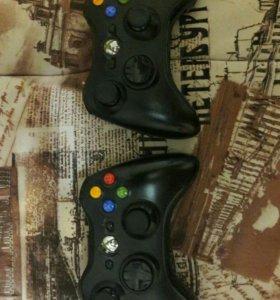 Xbox 360 E (Super Slim) + 2 геймпада + диски