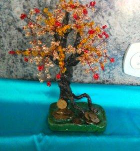 Скульптурные деревья из бисера