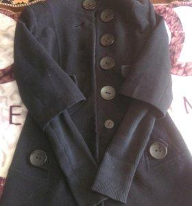 Пальто и лёгкий плащик