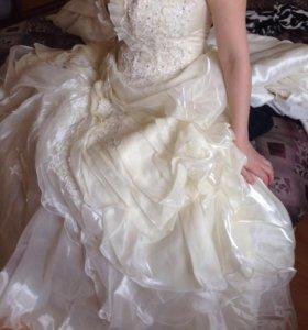 Новое свадебное платье 46-48