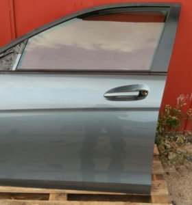 Передняя левая дверь Mercedes w204