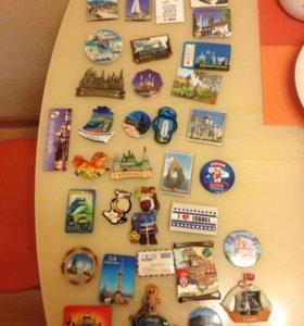 Коллекция магнитов из разных городов и стран