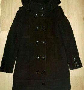 Пальто с капюшоном утепленное р.48 (46)