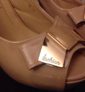 Туфли-босоножки! 36 размер