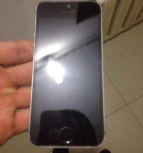 Продаю айфон 5с 64г
