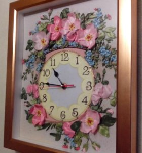 Часы Цветущий шиповник