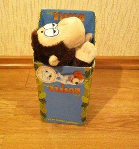 Интерактивная хохочущая обезьянка новая