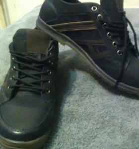 Новые ботинки 45 размер